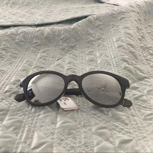 NWT DVF sunglasses